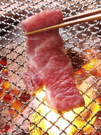 網焼き焼き肉の写真素材 [FYI00377125]
