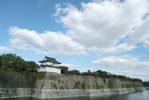 大阪城南外堀の上の雲の写真素材 [FYI00377165]