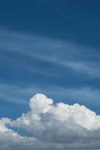 入道雲と青い空の写真素材 [FYI00377181]