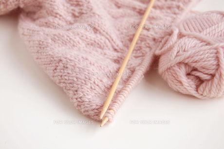 編みかけのセーターの写真素材 [FYI00377328]