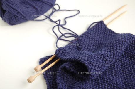 編みかけのマフラーの写真素材 [FYI00377332]