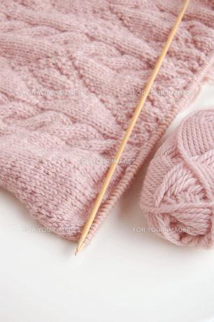 編みかけのセーターの写真素材 [FYI00377344]