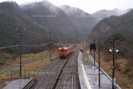 山陰・ローカル線の旅の写真素材 [FYI00377581]