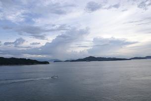 雨上がりの瀬戸内海の素材 [FYI00377584]