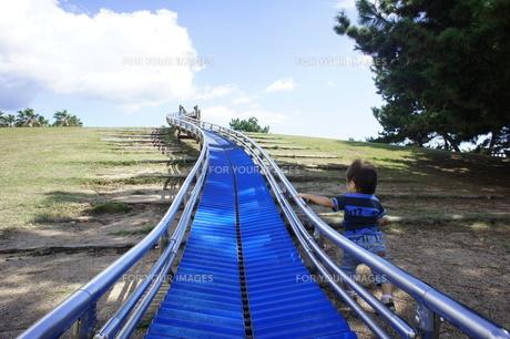 長い滑り台の写真素材 [FYI00378105]