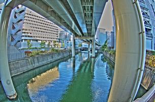 鉄橋下の写真素材 [FYI00378209]