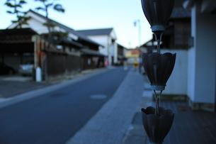 雨樋と旧東海道の写真素材 [FYI00378416]