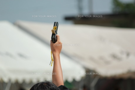スターター スタート 運動会の写真素材 [FYI00378496]
