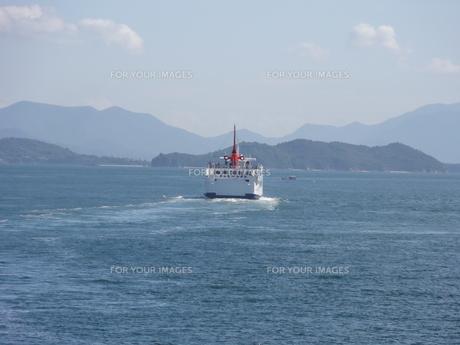 瀬戸内海 フェリーの写真素材 [FYI00378539]