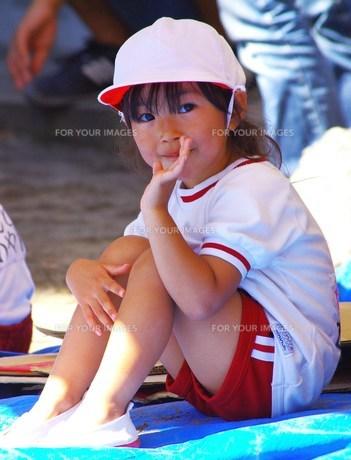 運動会の日の女の子の写真素材 [FYI00378663]