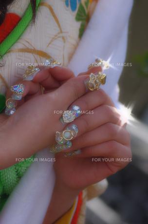 成人式の日の女性の爪の写真素材 [FYI00378675]