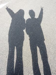 男女二人の影の写真素材 [FYI00378820]