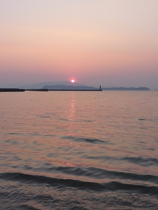 紅い夕日の写真素材 [FYI00378846]