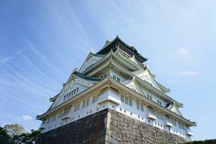 晴天の大阪城の写真素材 [FYI00378888]