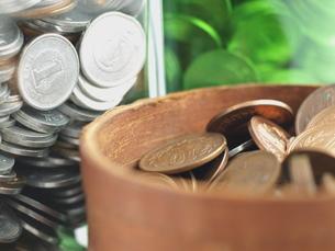 三つの貯金箱の写真素材 [FYI00378991]