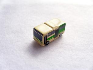 ミニカーのバスの写真素材 [FYI00379055]