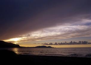 夕景の雲の写真素材 [FYI00379300]