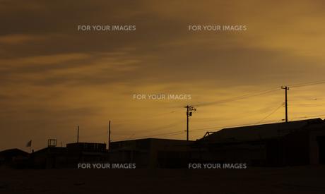 日没の海岸の写真素材 [FYI00379302]