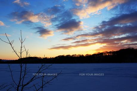 北海道 網走湖 雪景色の素材 [FYI00379378]