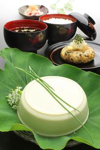 和食 日本料理 夕食 夕飯の写真素材 [FYI00379384]