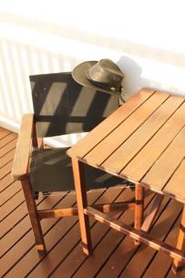 帽子と椅子の写真素材 [FYI00379415]