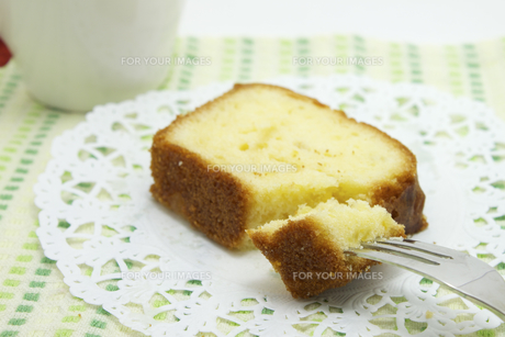 パウンドケーキの写真素材 [FYI00379455]