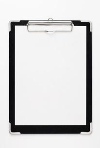 黒いクリップボードの写真素材 [FYI00381276]