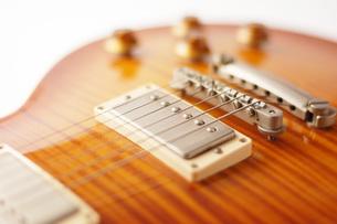 エレキギターのアップの写真素材 [FYI00381320]