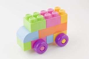 カラフルなブロックの自動車の写真素材 [FYI00381414]