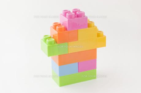 おもちゃのブロックで作った家の写真素材 [FYI00381418]