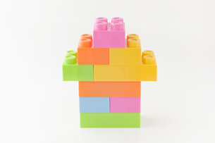 おもちゃのブロックで作った家の写真素材 [FYI00381422]