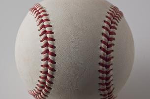 野球のボールのアップの写真素材 [FYI00381574]