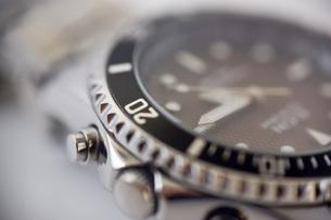 腕時計のアップの写真素材 [FYI00381700]