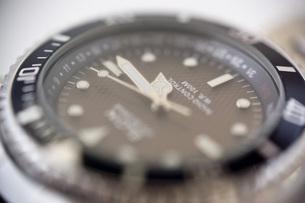 腕時計のアップの写真素材 [FYI00381706]