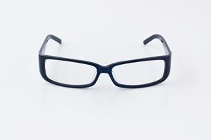 黒ブチ眼鏡の写真素材 [FYI00381713]