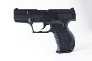 おもちゃの拳銃の写真素材 [FYI00381735]