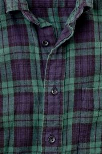 チェック柄のシャツの写真素材 [FYI00381762]