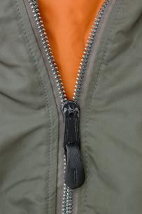 洋服のファスナーの写真素材 [FYI00381764]