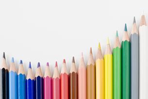 並べた色鉛筆の写真素材 [FYI00381790]