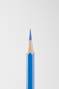青色の色鉛筆の写真素材 [FYI00381791]
