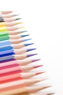 並べた色鉛筆のアップの写真素材 [FYI00381796]