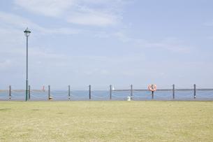 海の見える公園の写真素材 [FYI00381946]
