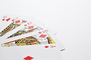 白背景に並べたトランプのアップの写真素材 [FYI00382163]