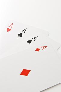4枚のエースのカードの写真素材 [FYI00382180]