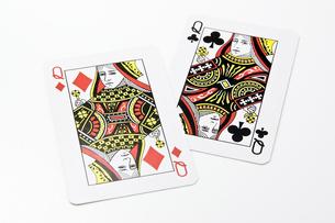 2枚のクイーンのカードの写真素材 [FYI00382188]