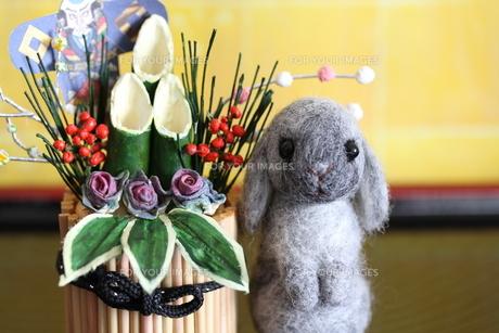 お正月干支ウサギ&門松の写真素材 [FYI00382276]