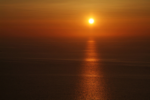 サントリーニ島、イアの夕日の素材 [FYI00382283]