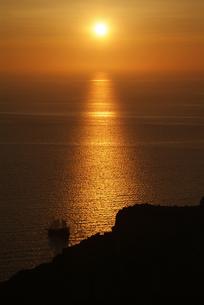 サントリーニ島、イアの夕日の素材 [FYI00382298]