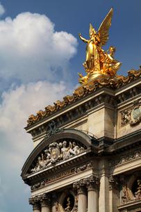パリ・オペラ座正面ファサード左上詳細の写真素材 [FYI00382336]