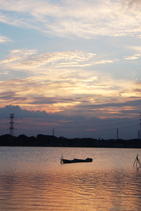 手賀沼の夕焼け空の写真素材 [FYI00382671]